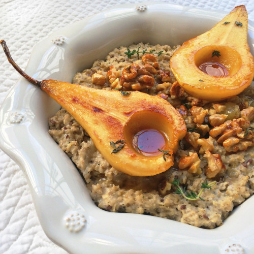 Caramelized Pear Oatmeal with Honey and Thyme