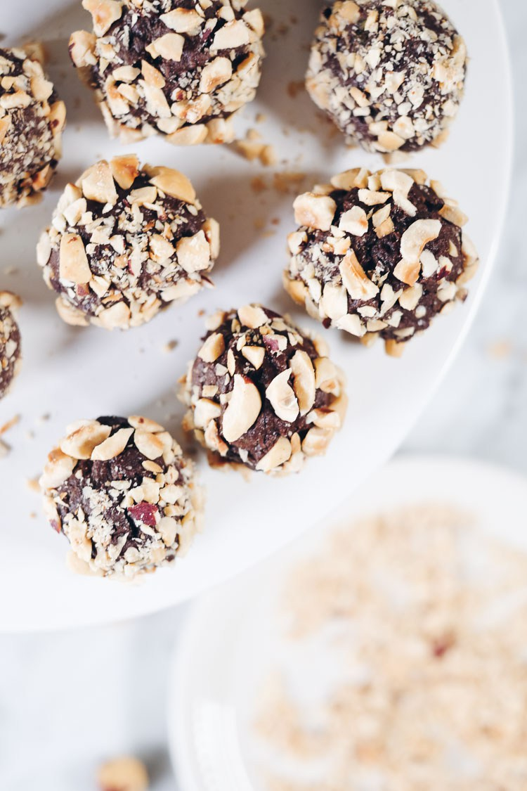 No Bake Chocolate Hazelnut Truffles